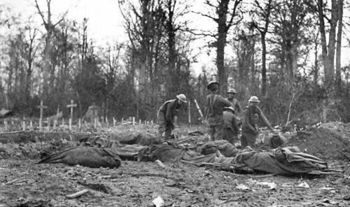 Burial party, Bois de Consonvoye, 1918