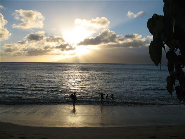 Napili_beach_closed